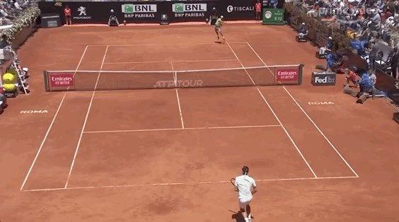 Matthew Willis's photo on Federer