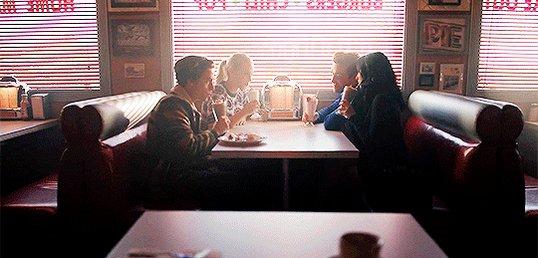 RIVERDALE LATAM's photo on #Riverdale
