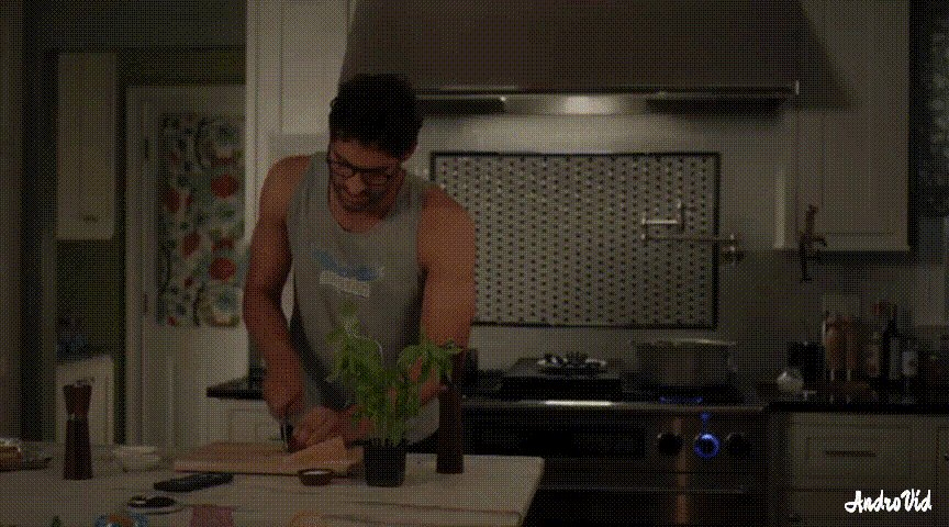 @daniell_susan @Yisus_935 @24HoursLucifer Yes! #Lucifer in the kitchen is my dream! Maybe something like that... #renewlucifer #LuciferSeason5