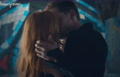 RT @ShadowfamD: YES FINALLY 😍😘 Clace ♥️ #Shadowhunters #ShadowhuntersChat https://t.co/guCa0Pg8tZ