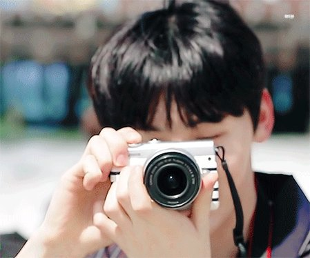 HB : พี่มินถ่ายรูปให้ผมหน่อย MH : ครับๆ // พี่จะถ่ายละนะ 1 2 3 📷 HB : 😘 (ทำท่าจุ๊บๆใส่พี่มิน) MH : 😄 #MINHYUNBIN #MINHYUN #HYUNBIN #มินฮยอนบิน #มินฮยอน #ฮยอนบิน #민현 #현빈