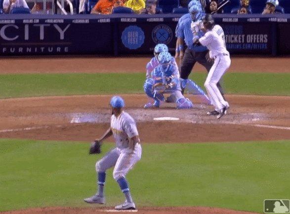 RT @PitchingNinja: Felipe Vázquez, 99mph Fastball and 88mph Slider, Overlay.  Well, that's not fair, @F_Vazquez73 https://t.co/1AISodPfwf