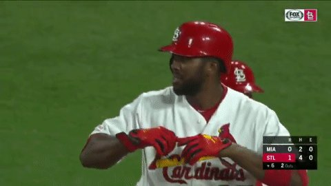 Fowler knocks in Bader and the #STLCards have the lead. #TimeToFly