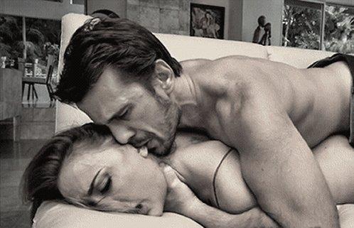 Порно схватил за шею, массаж грудью порно член