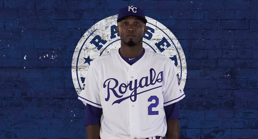 Esky rips a two-run double. #Royals take the lead 💙 https://t.co/f0rED...