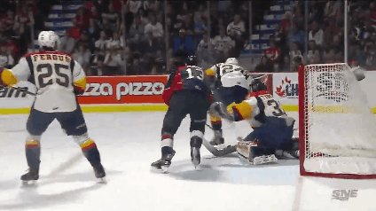 Jeremy Bracco puts the Spitfires up 1-0 #MemorialCup https://t.co/XXAr...
