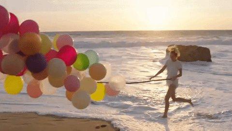 Beautiful performance and comeback, @MileyCyrus 🎈 Congrats on #Malibu! #BBMAs #IMisstheOldMiley