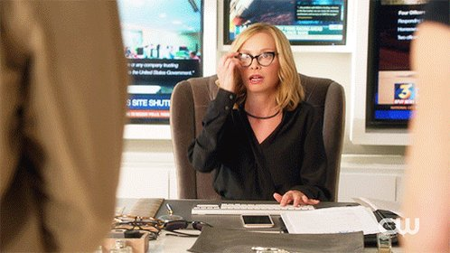 Who else loves having Cat Grant back? #Supergirl https://t.co/TnZM9gqD...