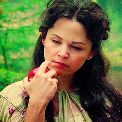 Happy birthday, Ginnifer Goodwin (a.k.a. the fairest of them all).