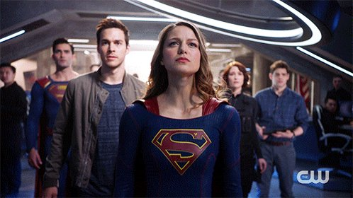 West Coast! The #Supergirl season finale starts NOW on The CW. https:/...