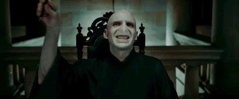 Warner Bros. autoriza filme sobre a trajetória de Voldemort https://t.co/i1ROZgNs7h