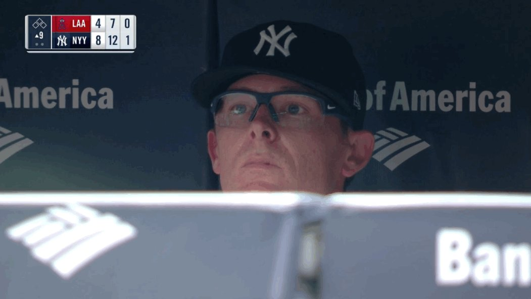Tyler Clippard apparently does not blink, ever https://t.co/jfmVPjpPAg