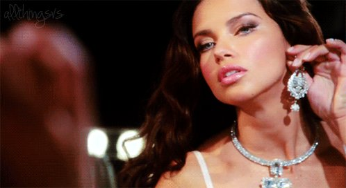 Happy birthday to the amazing Adriana Lima!