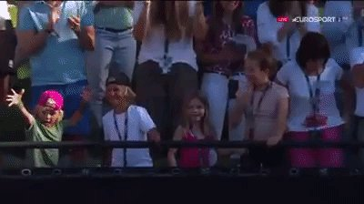Haas' little daughter reacting to his father beating Federer is the most precious thing of the day. https://t.co/q2vVaXyPOm