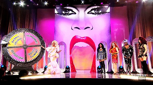 FINALE TONIGHT 8PM #DragRace on @VH1 https://t.co/nmw8rS5r2b