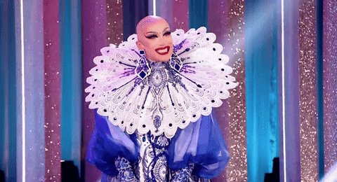 To the stage: @sasha_velour!! Serving you all of this art and fashion...
