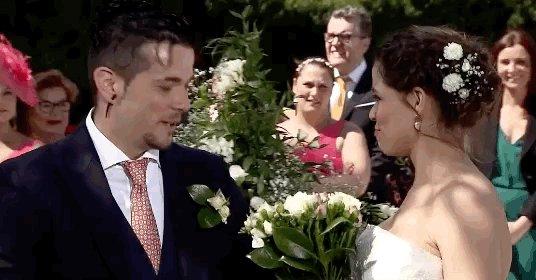 Si es que @carlosmchef3 es auténtico hasta en el día de su boda. ¡Te q...