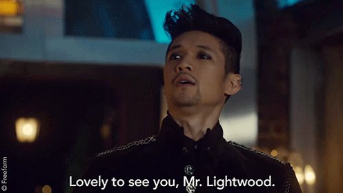 Who else screamed? 🙋 #Malec #Shadowhunters https://t.co/7QEexAzycp