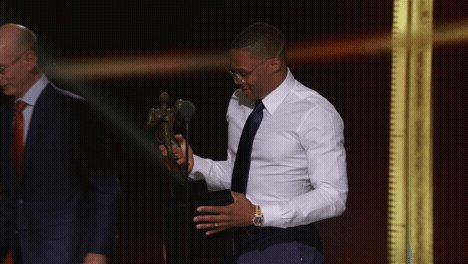 Triple-Double 👑#NBAAwards https://t.co/JKOprhR5P6