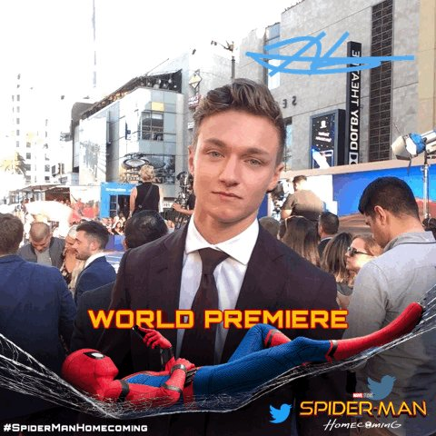 At the #SpiderManHomecoming World Premiere with @hazosterfield https:/...