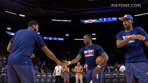 Happy #NationalHandshakeDay, #Pistons fans! https://t.co/9vBL19qxVv