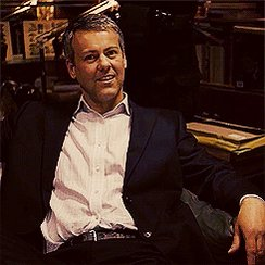 Happy birthday to Rupert Graves! Still looking as young as ever, lovely.