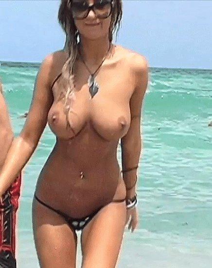 toppless-porn-gif