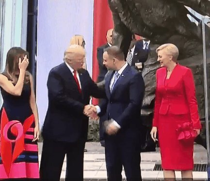 Handshake of the Year 2017: https://t.co/wn5lq32dWx
