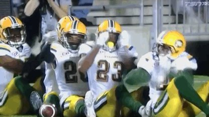 This is a quality celebration from the #Esks. When you're 7-0... #CFL https://t.co/c8xRwVSksN