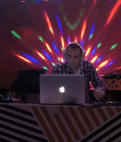 Last #Technodelic @MetaHouseCAM https://t.co/xsDT4WOrQY via @GIPHY Spinning there again tonight #Underground #Music https://t.co/TiBYhSKpYv