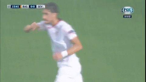 ¡GOL DEL SEVILLA! #ChampionsxFOX | Sergio Escudero abrió el marcador a...