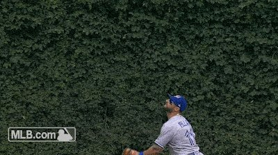 Here's a GIF of Pillar's catch at Wrigley. #BlueJays https://t.co/k7cC...
