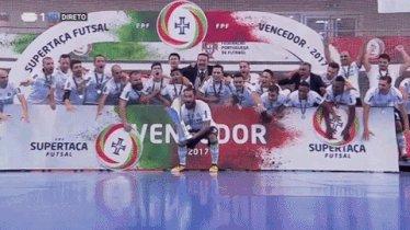 Eis o @Sporting_CP o vencedor da Supertaça Nacional de Futsal #FutsalSCP https://t.co/1HAshqNyR9