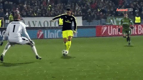 True Soccer Life ⚽�'s photo on Ozil