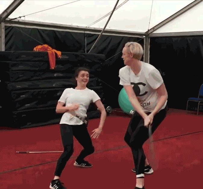 RT @goosemangus: Totally hypnotized by the amazing @Maisie_Williams pulling off this ridiculous dagger move!! https://t.co/QRgARB1QNg