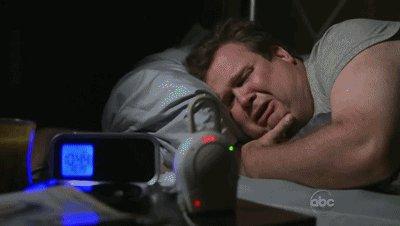 Cuando te suena esa terrorífica alarma cada mañana... #FelizMartes htt...