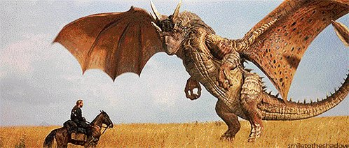 『ドラゴンハート』、殺し殺される間柄だったドラゴン(老獪で軽口たたくジジイだけど心の底では死にたがっている)と人間(元は高潔な騎士だったけどやさぐれて今は守銭奴)の異種間バディで両者の声が若山弦蔵と大塚明夫なので今やったら明らかに一部の層に大受けだと思うんですが
