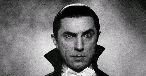 Happy birthday to a Gothic icon; Bela Lugosi, known for performances in Dracula (1931) and The Raven (1935), was born #otd in 1882