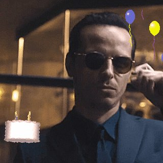 Happy birthday Andrew Scott!! Our favorite consulting criminal    He\s so talented and adorable