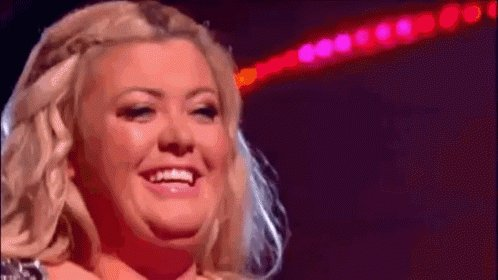 RT @gillmakes: Omg @missgemcollins is switching on the Christmas lights @FreeportEssex https://t.co/N4yA7WJa8n