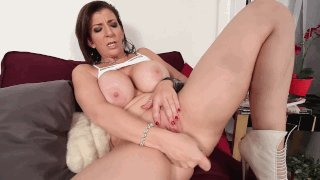 getting-squirt-sarah-jay-wet-camel-toe