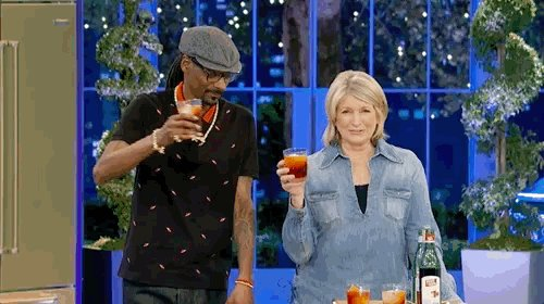 toastin up 🙌🏿 who ready ? #MarthaAndSnoop starts in 5 mins ! https://t.co/Ec6EuHZGNx