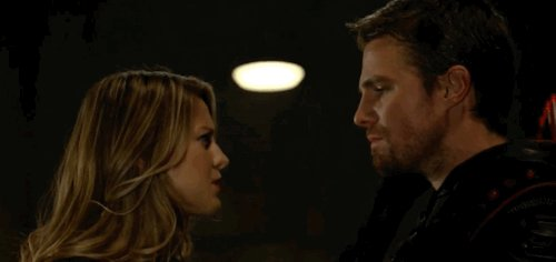 RT @vampfan10: I could stare at this all day   #SuperArrow #CrisisOnEarthX https://t.co/07cgkMKps3