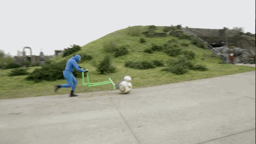 BB-8宇宙一可愛いんですが撮影方法はシュールです #スターウォーズ https...