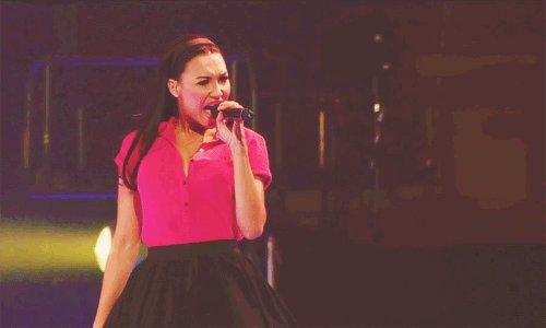 ME MATO CON VALERIE. Los feels de Glee 😍...