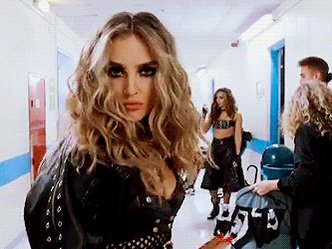 Blown away!!! Your support has been insane 😘 Let's KEEP THIS GOING!! We can do it 💪🏼 #BRITVIDLITTLEMIX P<3 https://t.co/PDdtSkiKFw