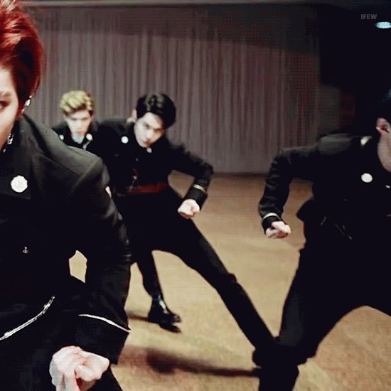 doyoung getting down (2018) https://t.co...