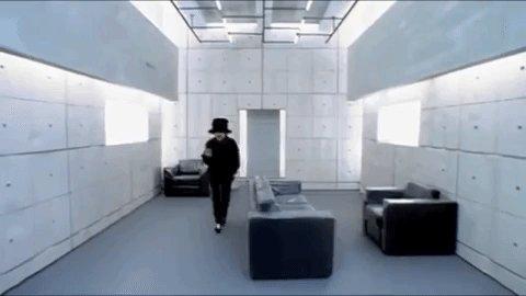 .@JamiroquaiHQ – Virtual Insanity #FlashbackFriday 🎩 Watch: youtu.be/Et9b7LWfnxQ