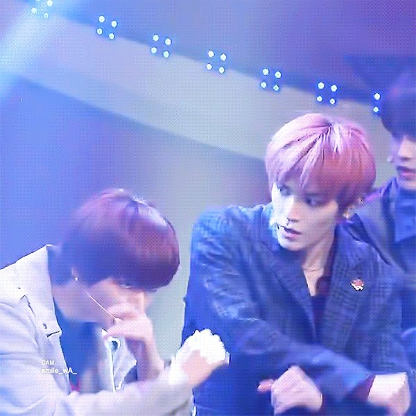 taeyong be like 'wait why is everything...