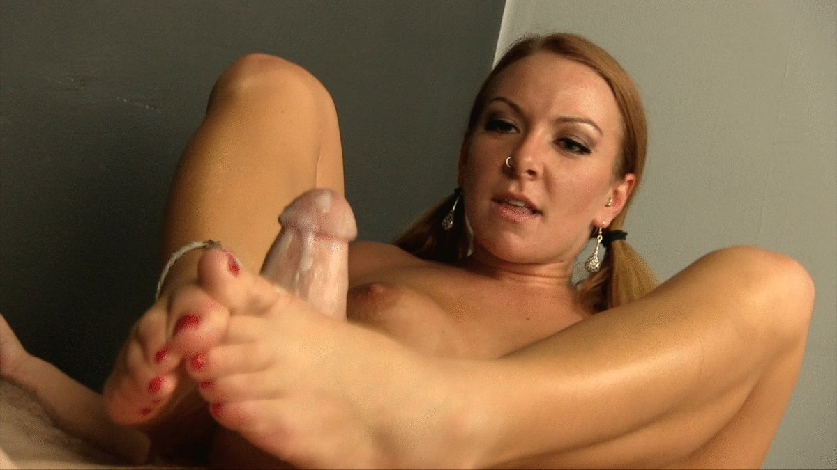 I masturbate my pussy by my toes and lick my toes and foot after orgasm
